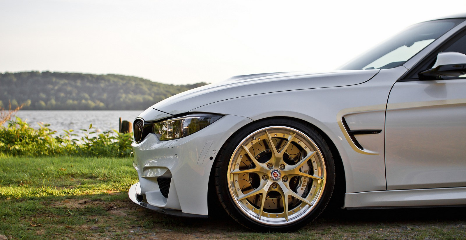 F80-BMW-M3-on-HRE-Wheels-4.jpg